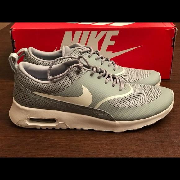 Nike air max thea silver matte women size 8,5 New